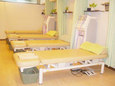 治療用の昇降ベッド